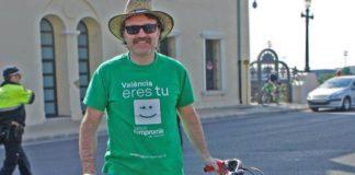 Giuseppe Grezzi orgulloso de su Macetazo
